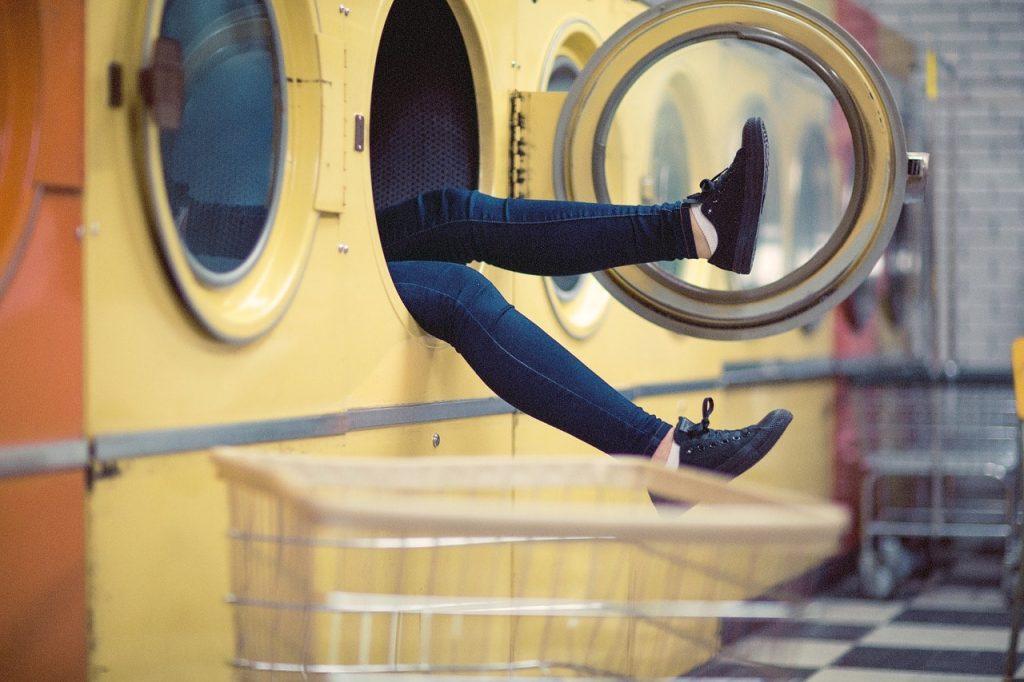 lavage d'un jean à la machine