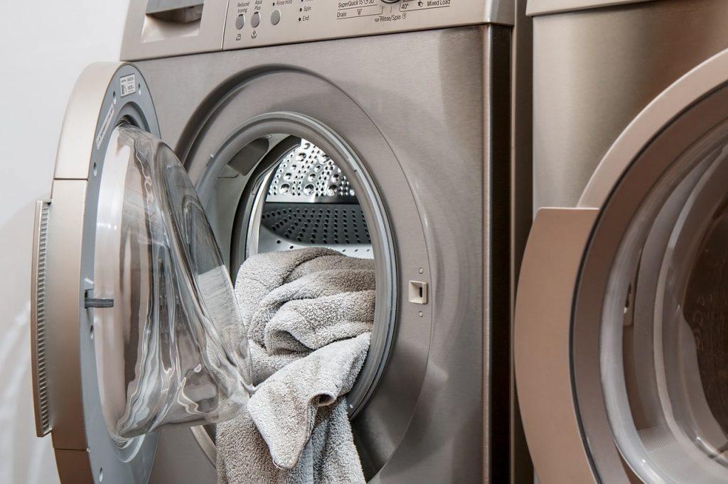 machine à laver survêtement
