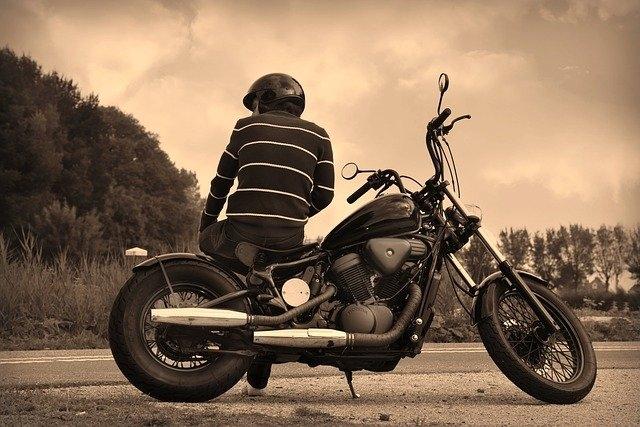 Quelle moto pour debuter femme ?