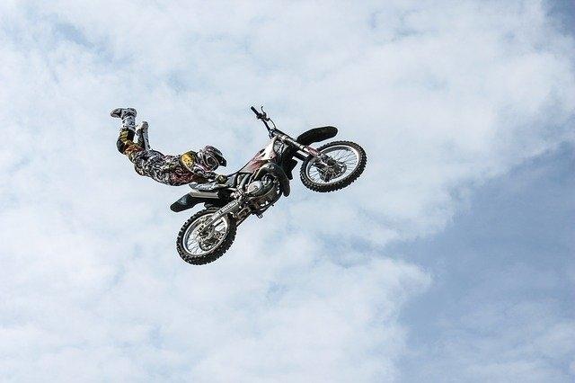 Quelle moto pour faire de la route ?