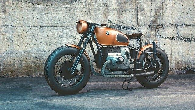 Quelle moto pour une débutante ?